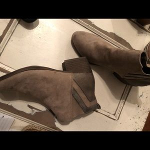 Tan suede ankle boots/booties